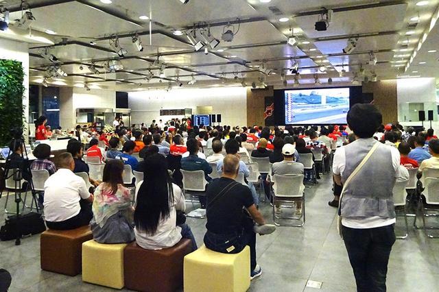 画像: ウェルカムプラザ青山のパブリックビューイングは、今年でなんと33回目!! のライブ中継となります。「鈴鹿8耐 特別展示車両」も行われており、過去のホンダ鈴鹿8耐参戦車、そして今年のモデル「CBR1000RRW #33 Red Bull Honda」も見ることができますよ! www.honda.co.jp
