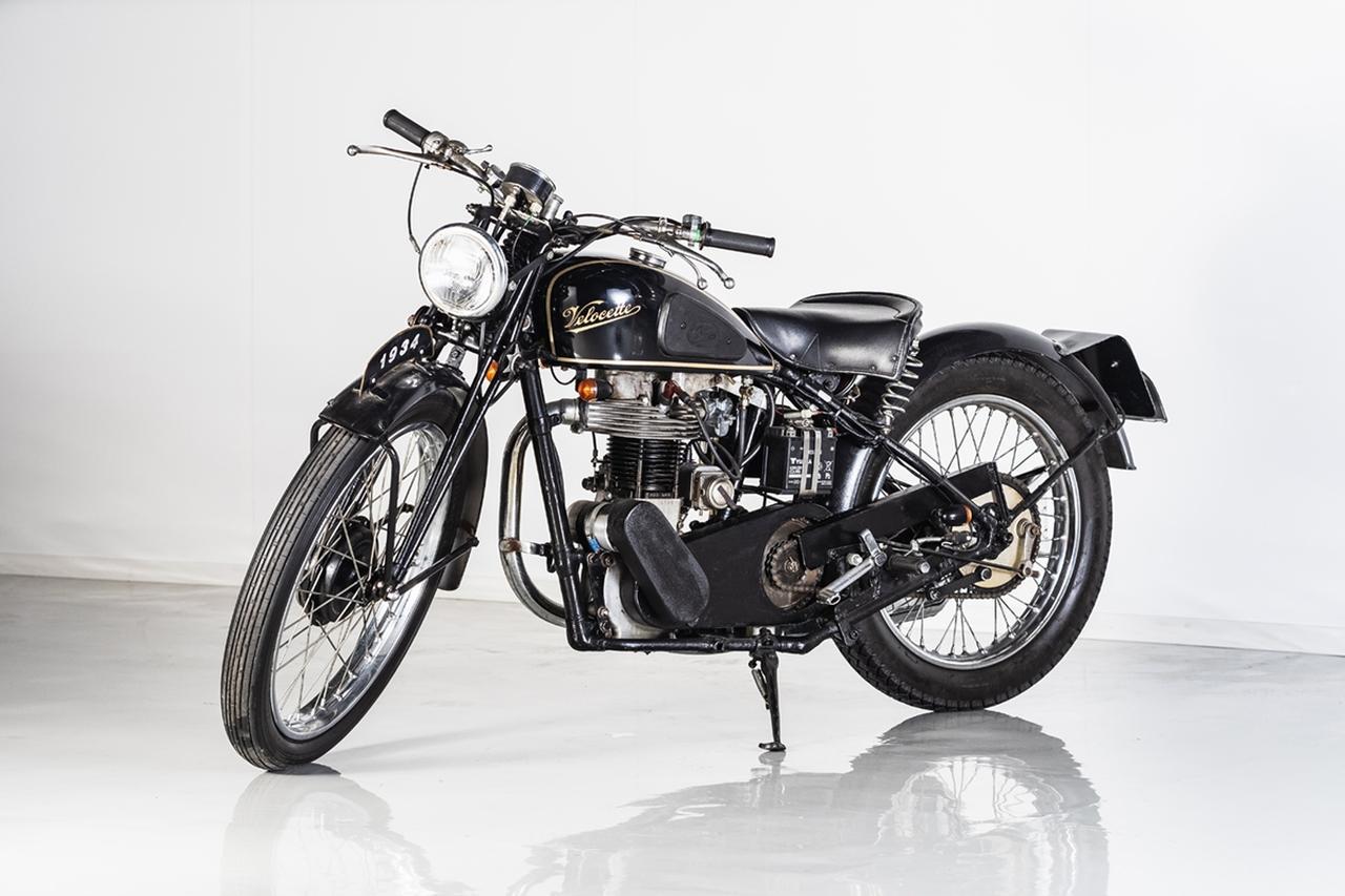 画像: ロットナンバー16:1934 VEROCETTE MAC350 予想落札価格 COMING SOON 英国の名門ベロセットが、初めて手がけた350ccOHVスポーツが1930年代のMAC系。弁方式がOHVながら、当時のOHC単気筒並みの高性能を誇っていました。シリーズ累計で、ベロセットで最も売れたモデルでもあります。 bhauction.com