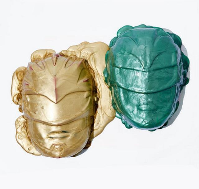 画像3: 人気女優ニーナ・ドブレフの青すぎるフェイスマスクの正体は?