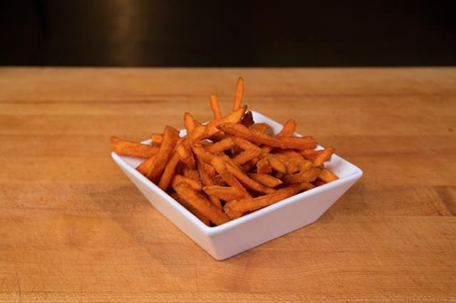 画像: スウィートポテトフライ(Sweet Potato Fries)600円(税抜)
