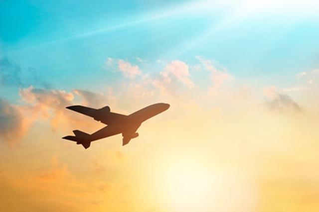 画像: ユナイテッド航空「レギンスはウェルカムです!」