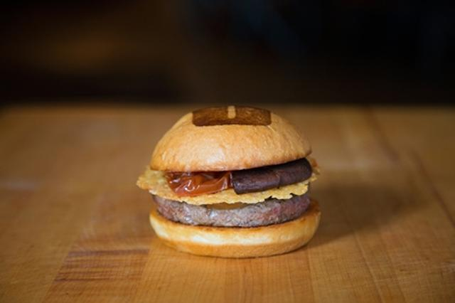 画像: ウマミバーガー(Umami Burger)1,380円(税抜)