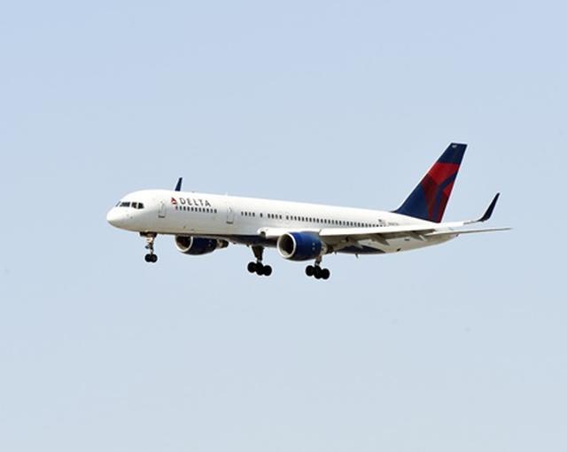 画像: 3人家族の乗客がとったある行動で55万