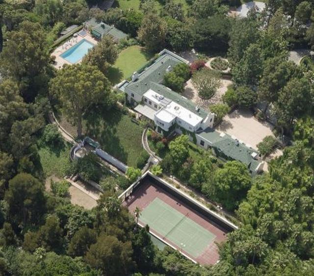 画像1: 【写真あり】テイラー・スウィフトの28億円豪邸が歴史的建造物に認定
