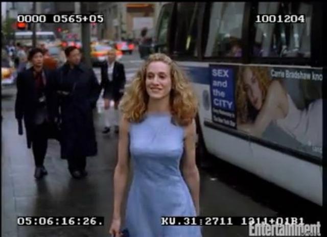 画像1: 『SATC』の有名すぎるオープニングシーンには衣装も演出も違う別バージョンがあった!