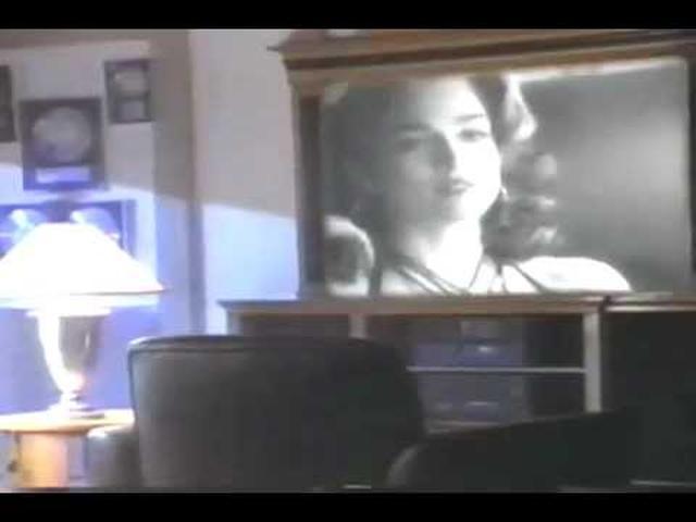 画像: Madonna- Like A Prayer (Pepsi Commercial, 1989) youtu.be