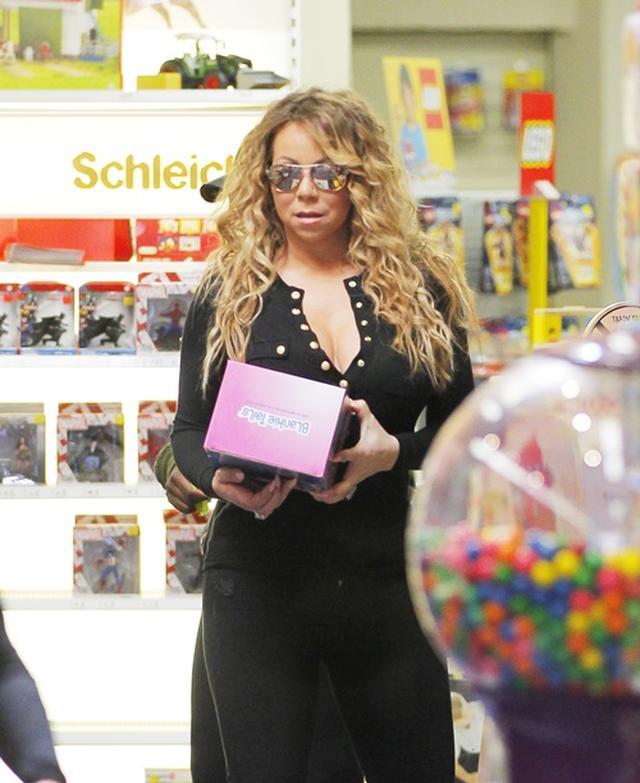 画像: 資産200億超マライア・キャリー、6歳双子と玩具店で桁はずれのセレブ買い