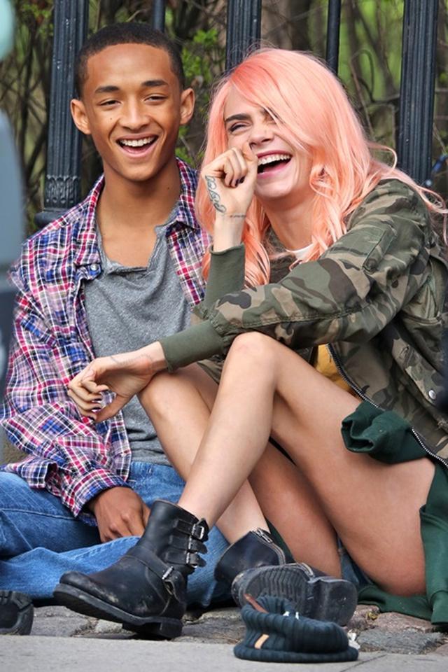 画像2: ジェイデンとカーラは「恋人同士」