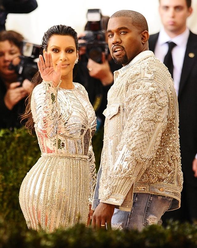 画像: 昨年のMETガラでのキムとカニエ。 Photo:スプラッシュ/アフロ、シンクストック/ゲッティイメージズ、Twitter/Kim Kardashian
