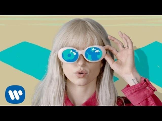 画像: Paramore: Hard Times [OFFICIAL VIDEO] www.youtube.com