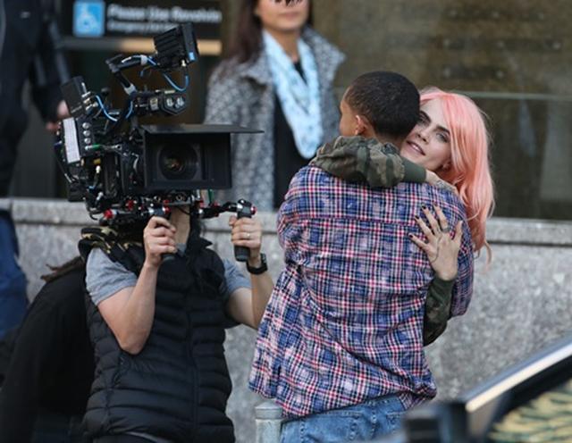 画像1: ジェイデンとカーラは「恋人同士」