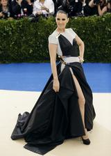 画像8: 世界中が注目するファッションの祭典メット・ガラのドレスレポート第2弾