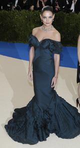 画像9: 世界中が注目するファッションの祭典メット・ガラのドレスレポート第2弾