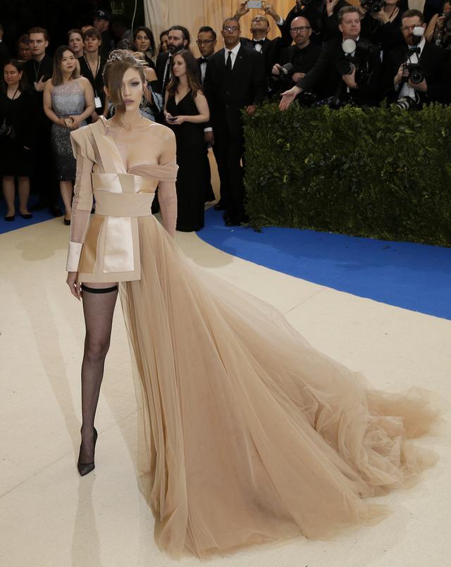画像4: 世界中が注目するファッションの祭典メット・ガラのドレスレポート第2弾