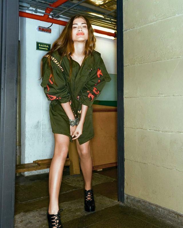 画像2: ヴァレンティナ・サンパイオ 初仏Vogue表紙モデル