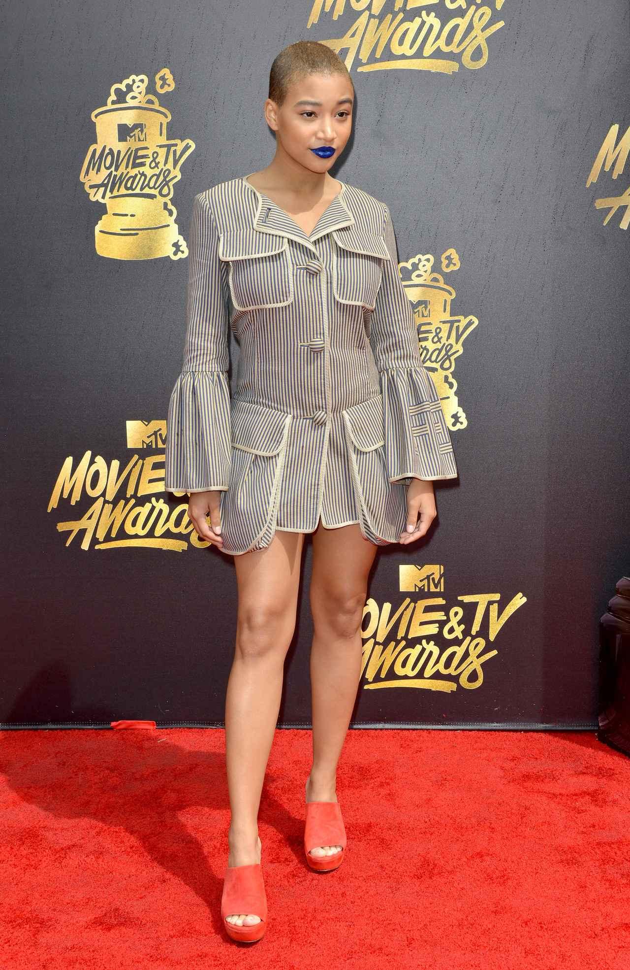 画像9: エマ・ワトソンやカーラ・デルヴィーニュも登場!MTVアワードのドレスを紹介