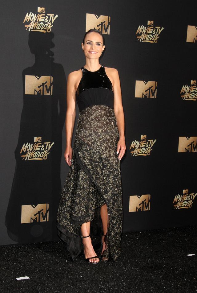 画像7: エマ・ワトソンやカーラ・デルヴィーニュも登場!MTVアワードのドレスを紹介