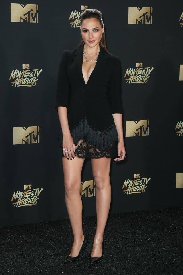 画像5: エマ・ワトソンやカーラ・デルヴィーニュも登場!MTVアワードのドレスを紹介