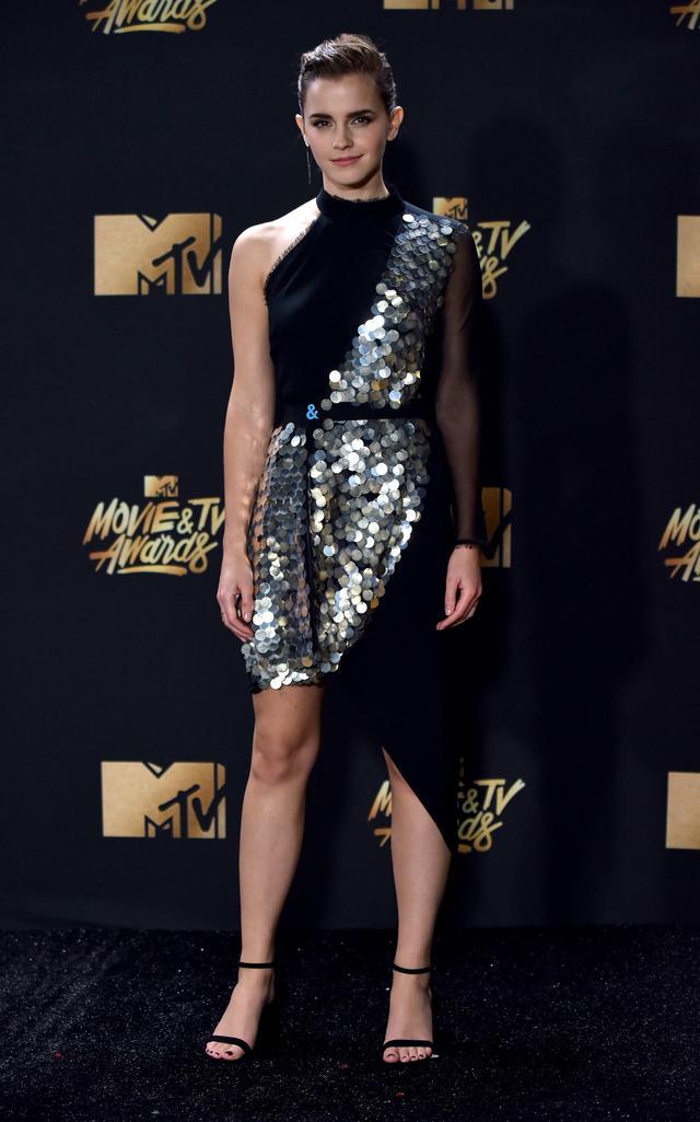 画像1: エマ・ワトソンやカーラ・デルヴィーニュも登場!MTVアワードのドレスを紹介