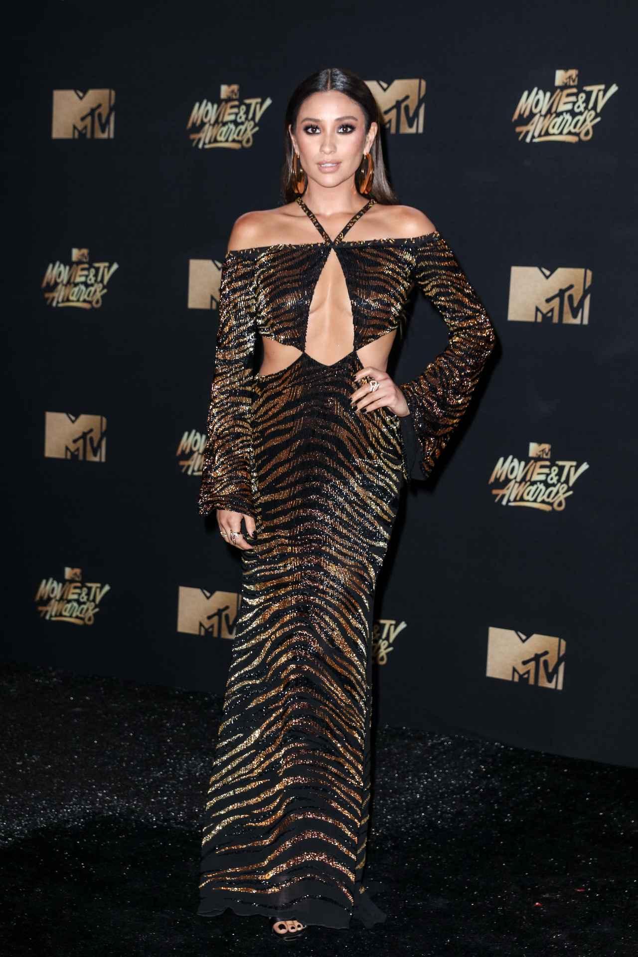 画像4: エマ・ワトソンやカーラ・デルヴィーニュも登場!MTVアワードのドレスを紹介