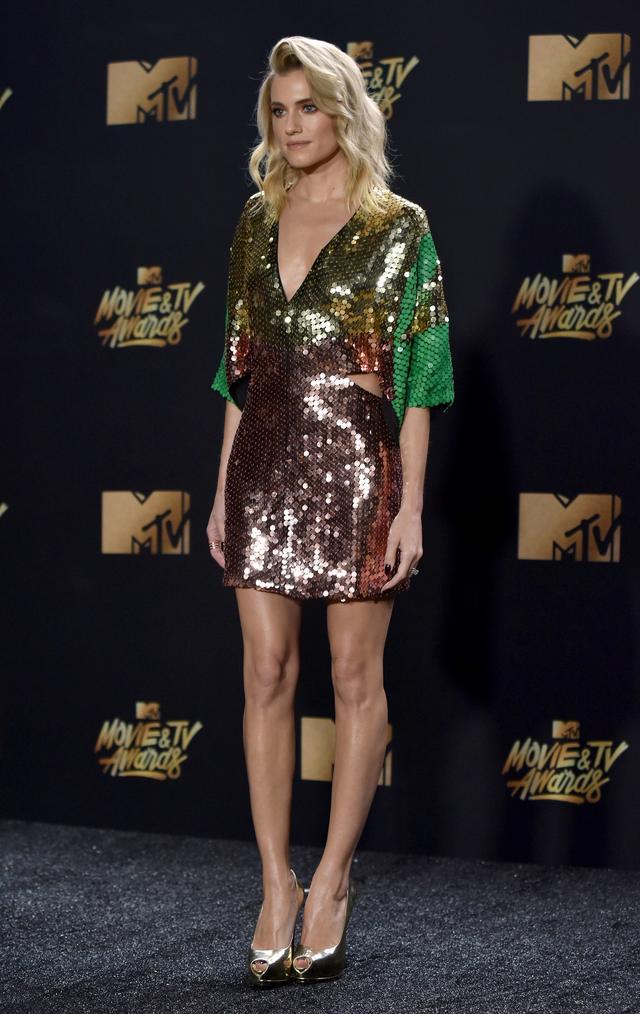 画像6: エマ・ワトソンやカーラ・デルヴィーニュも登場!MTVアワードのドレスを紹介