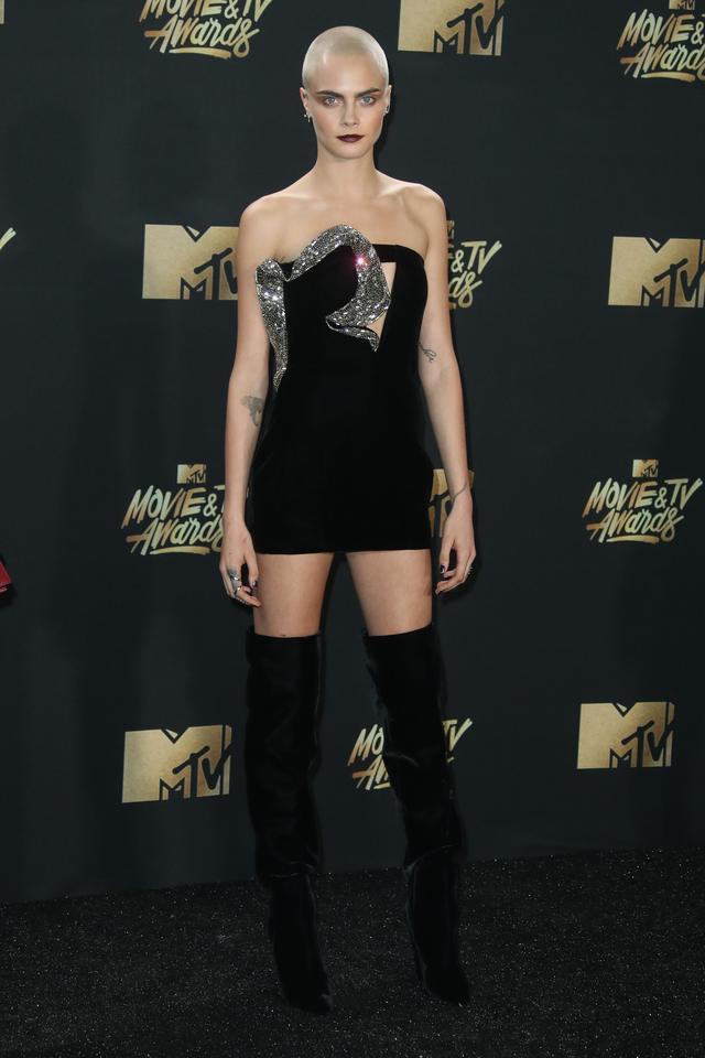 画像2: エマ・ワトソンやカーラ・デルヴィーニュも登場!MTVアワードのドレスを紹介