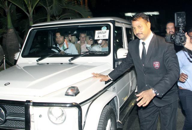 画像3: ジャスティン・ビーバー、インドで警備に囲まれながら空港から移動