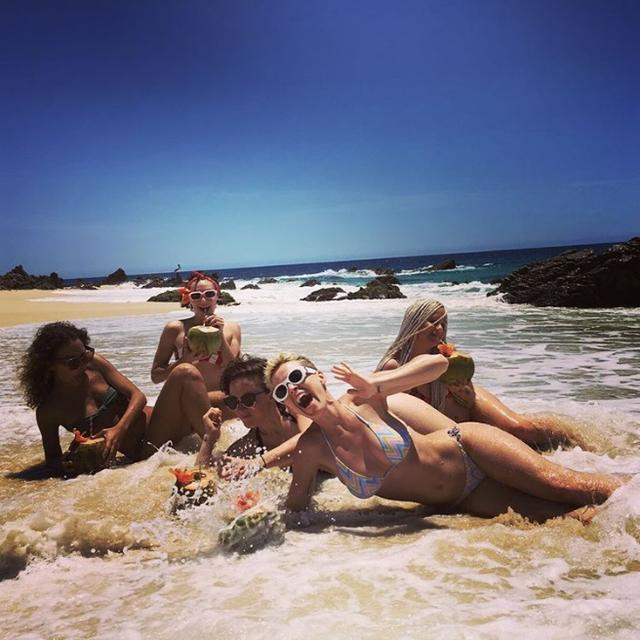 画像3: かっこいいビーチ写真と思いきや…