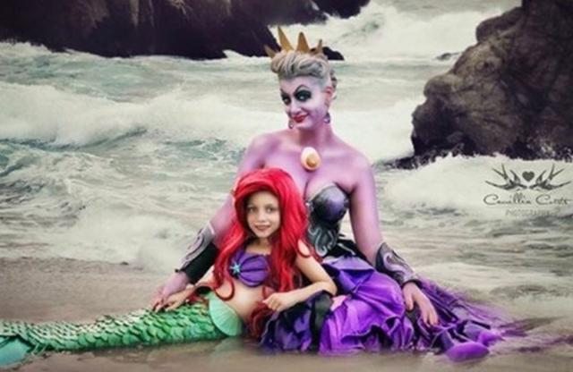 画像1: ママと娘でコスプレごっこ