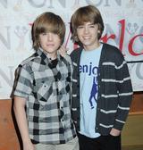 画像: コール(右)とディラン(左)