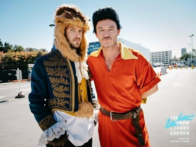 画像1: 美女と野獣からライオン・キングまで! 突然、路上で始まるミュージカルに爆笑