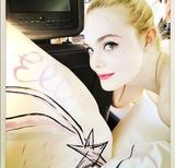 画像3: 【カンヌ映画祭】19歳女優、ヴィヴィアン・ウエストウッドのドレス姿がプリンセスのよう
