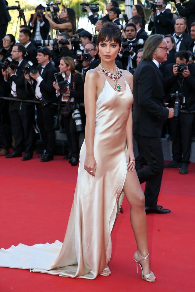 画像3: ドレスがそっくりだと話題に