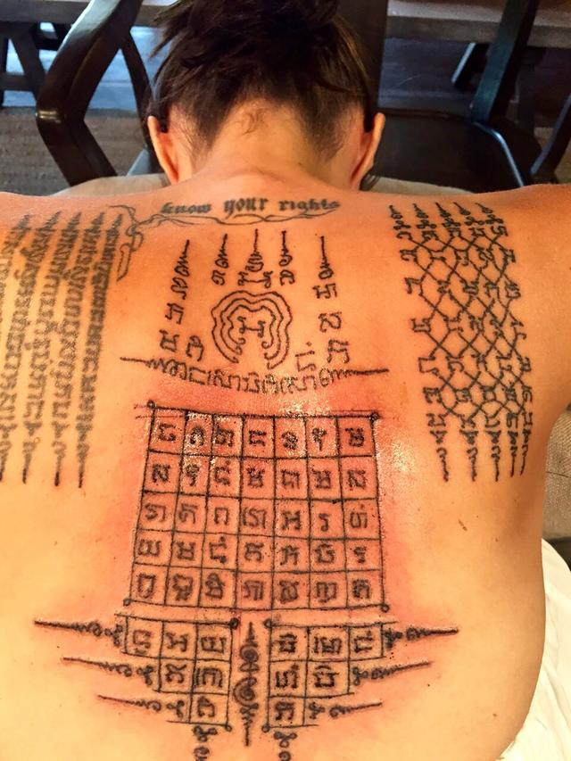 画像2: 通常より痛いタトゥーがお気に入り