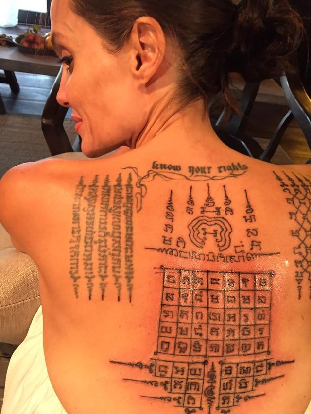 画像1: 15個以上のタトゥーがあるアンジー