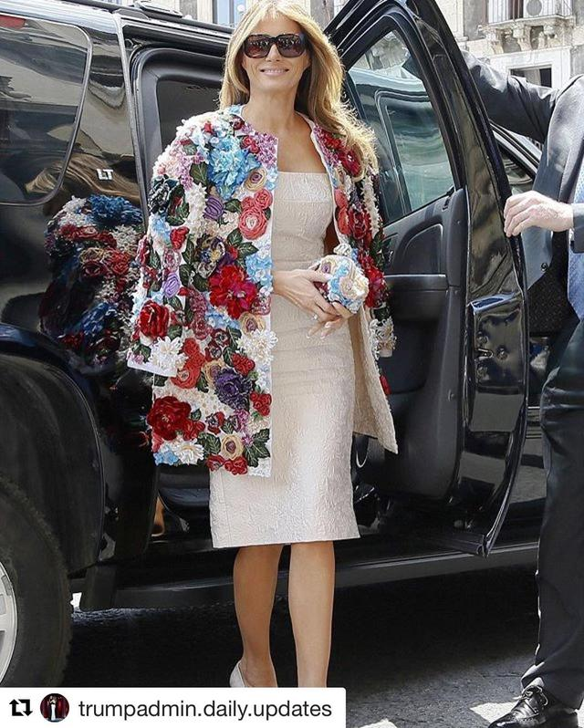 画像: メラニア・トランプ夫人が着たジャケットは驚愕の値段