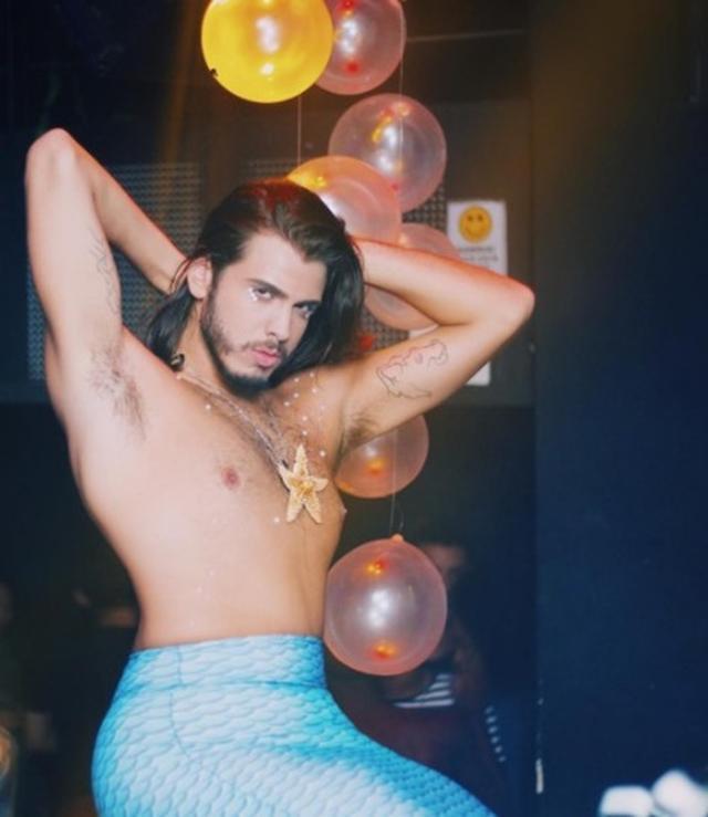 画像2: 『リトル・マーメイド』に魅されて人魚になった男性