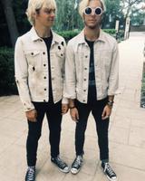 画像: R5のロスとライカ―が双子ファッションを披露