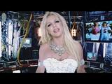 画像: Britney Spears - Hold It Against Me www.youtube.com