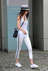 画像4: 同ブランドの白スニーカーはセレブ愛用者が多数!