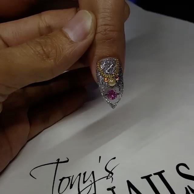 画像1: Instagram投稿の投稿者: Tony's Nailsさん 日時: 2017  5月 11 12:26午後 UTC www.instagram.com