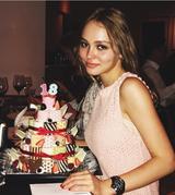 画像: ロールケーキでお祝い