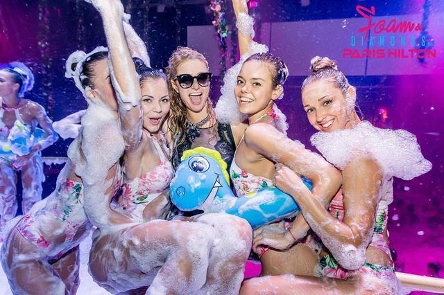 画像1: 世界一泡まみれになるパーティ