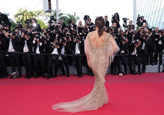 画像: 女優のエヴァ・ロンゴリア 、第70回カンヌ国際映画祭にて。