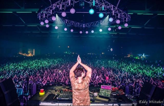 画像: 人気DJのゼッド 、米ダラスでの公演より。©Zedd