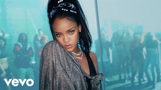 画像: Calvin Harris - This Is What You Came For (Official Video) ft. Rihanna www.youtube.com