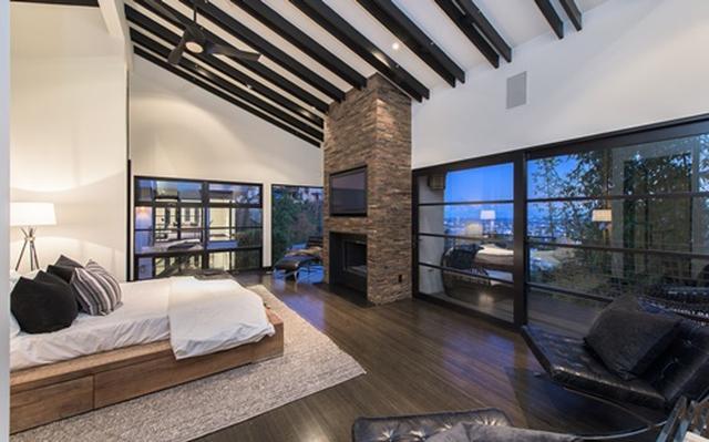 画像3: 自宅はベッドルーム10部屋の大豪邸