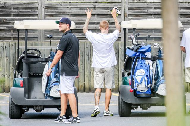 画像6: ゴルフカートで公道走る
