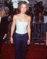 画像2: ジャスティン・ティンバーレイクの美人妻、恥ずかしモデル写真で自虐ネタ