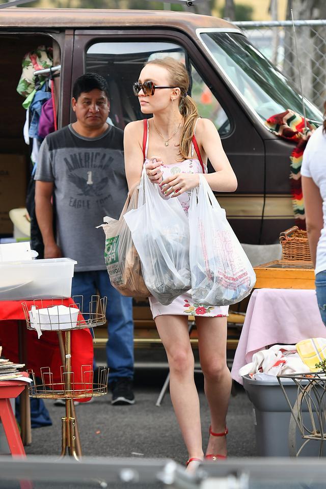 画像4: フリーマーケットで爆買い
